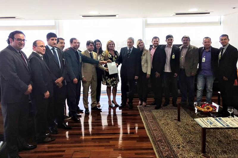 PREFEITO GIL ROCHA DISCUTE DEMANDAS DO MUNICÍPIO EM AUDIÊNCIA REALIZADA EM BRASÍLIA