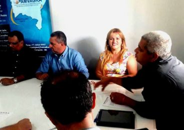 Lora e Dudu Pontes participam de assembleia do consórcio Civalerg
