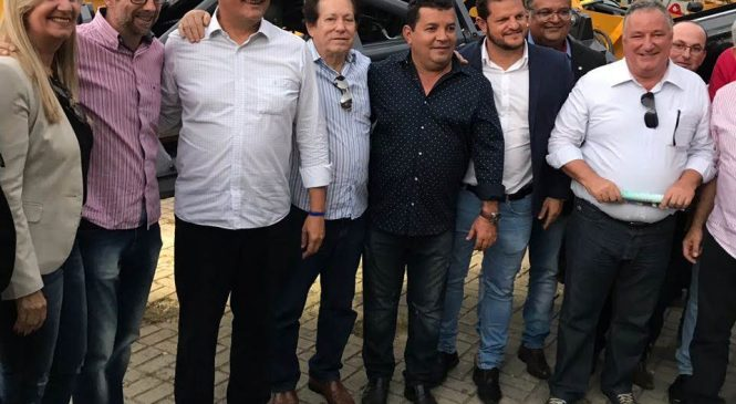 CONSÓRCIO CIVALERG RECEBE MAQUINÁRIO DO GOVERNO DO ESTADO